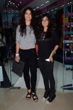 Ayesha Kapoor, Shaira at friendship Day celebration at Ayesha Store, Phoenix Mills Lower Parel on 30th July 2015 (38)_55bb24970320d.JPG