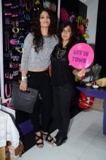 Ayesha Kapoor, Shaira at friendship Day celebration at Ayesha Store, Phoenix Mills Lower Parel on 30th July 2015 (48)_55bb249a315e8.JPG