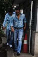 Sunil Shetty snapped at the airport in Mumbai on 31st July 2015 (41)_55bba7ba16b89.JPG