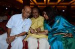 Kavita Krishnamurthy, L. Subramaniam at the music launch of Gour Hari Dastaan on 31st July 2015 (67)_55bcab8f7832e.JPG