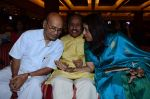 Kavita Krishnamurthy, L. Subramaniam at the music launch of Gour Hari Dastaan on 31st July 2015 (68)_55bcaa0661f8f.JPG
