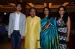 Kavita Krishnamurthy, L. Subramaniam at the music launch of Gour Hari Dastaan on 31st July 2015 (57)_55bcab7932304.JPG