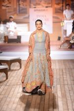 Kriti Sanon walk the ramp for Monisha Jaising Show at AICW 2015 Day 3 on 31st July 2015