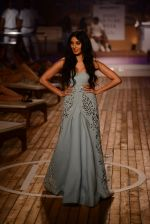 Perina Qureshi  walk the ramp for Monisha Jaising Show at AICW 2015 Day 3 on 31st July 2015
