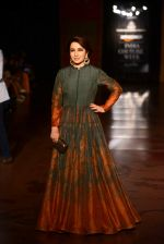 Tisca Chopra walk for Harpreet and Rimple Narula Show at India Couture Week 2015 on 1st Aug 2015  (4)_55be153945a24.JPG