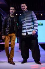 Raj Kumar Yadav, Rajneesh Duggal at Smile Foundations Fashion Show Ramp for Champs, a fashion show for education of underpriveledged children on 2nd Aug 2015