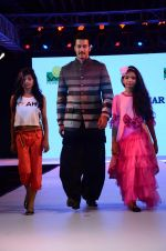 Rajneesh Duggal at Smile Foundations Fashion Show Ramp for Champs, a fashion show for education of underpriveledged children on 2nd Aug 2015