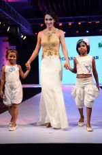 Tara Sharma at Smile Foundations Fashion Show Ramp for Champs, a fashion show for education of underpriveledged children on 2nd Aug 2015(268)_55bf1b966c022.JPG