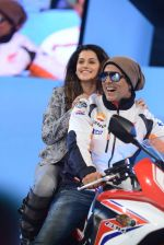 Akshay Kumar, Taapsee Pannu at Gas Launch in Mumbai on 4th Aug 2015