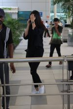 Anushka Sharma snapped at Mumbai airport on 3rd Aug 2015 (3)_55c080b93c758.JPG