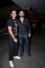 Irrfan Pathan at Manish Paul_s bday in Mumbai on 3rd Aug 2015 (7)_55c07f6aa01af.JPG