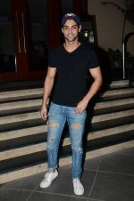 Karan Wahi at Manish Paul_s bday in Mumbai on 3rd Aug 2015 (43)_55c07f58efd8d.JPG