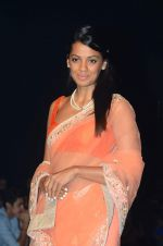 Mugdha Godse walk the ramp for IIJW 2015  Day 2 on 4th Aug 2015