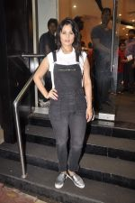 Anjana Sukhani at Namrata Purohit_s The Lazy Girl_s Guide to Being Fit book Launch in crossword Kemps Corner on 5th Aug 2015 (6)_55c31c0526131.JPG