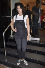 Anjana Sukhani at Namrata Purohit_s The Lazy Girl_s Guide to Being Fit book Launch in crossword Kemps Corner on 5th Aug 2015 (8)_55c31c08b1922.JPG