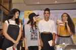 Anjana Sukhani, Elli Avram, Manasi Scott at Namrata Purohit_s The Lazy Girl_s Guide to Being Fit book Launch in crossword Kemps Corner on 5th Aug 2015 (44)_55c31c0aef0a5.JPG