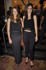 Bruna Abdullah, Hazel Keech at Namrata Purohit_s The Lazy Girl_s Guide to Being Fit book Launch in crossword Kemps Corner on 5th Aug 2015 (21)_55c31c4546cfb.JPG