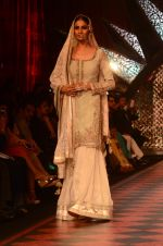 Model walk the ramp for IIJW 2015 Day 3 on 5th Aug 2015 (148)_55c320af8717a.JPG