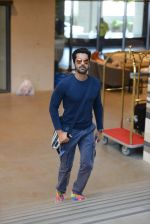 Arjan Bajwa at siima day 2 arrivals on 6th Aug 2015