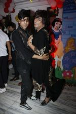 Rohit Verma at Sara Khan Birthday Party in Mumbai on 6th Aug 2015 (47)_55c45441a4bfe.jpg