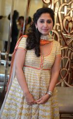 Rinke Khanna at Abu Jani Sandeep Khosla unveiled their latest collection- VARANASI at the opening of BMW India Bridal Fashion Week on 7th Aug 2015 (18)_55c5d714b483b.JPG