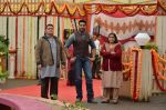 Abhishek Bachchan and Rishi Kapoor, Supriya Pathak on the sets of Sab Tv