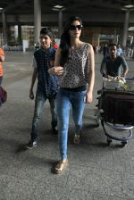 Kriti Sanon snapped at international airport on 8th Aug 2015