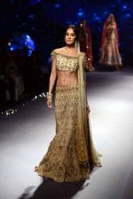 Lisa Haydon walks for Tarun Tahiliani Show at India Bridal Week on 8th Aug 2015