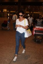 Sonal Chauhan snapped at international airport on 8th Aug 2015