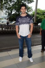 Sooraj Pancholi snapped at domestic airport on 8th Aug 2015