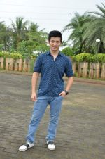 Meiyang Chang at tree plantation event in Malad on 9th Aug 2015 (18)_55c856356ffdf.JPG