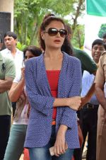 Monica Bedi at tree plantation event in Malad on 9th Aug 2015 (27)_55c85647d0278.JPG