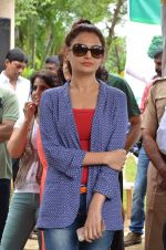 Monica Bedi at tree plantation event in Malad on 9th Aug 2015 (28)_55c85648c32ad.JPG