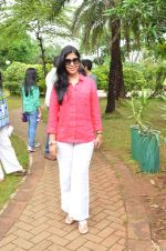 Sakshi Tanwar at tree plantation event in Malad on 9th Aug 2015 (14)_55c8565cabef5.JPG
