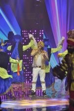 Daler mehndi at Voice of India - Independence day special shoot in R K Studios on 10th Aug 2015 (22)_55c9a5f36606b.JPG
