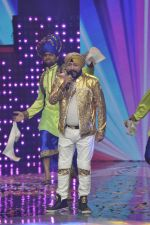 Daler mehndi at Voice of India - Independence day special shoot in R K Studios on 10th Aug 2015 (26)_55c9a5f77c7e4.JPG