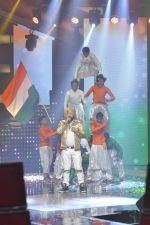 Daler mehndi at Voice of India - Independence day special shoot in R K Studios on 10th Aug 2015 (14)_55c9a5ea93987.JPG
