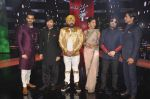 Karan Tacker,Himesh Reshammiya, Mika Singh, Daler mehndi , Sunidhi Chauhan, Shaan at Voice of India - Independence day special shoot in R K Studios on 10th Aug 2015 (59)_55c9a602387f2.JPG