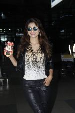 Urvashi Rautela snapped at Airport on 11th Aug 2015