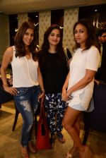 Alvira Khan, Surily Goel at Jaipur Jewels Rise Anew collection launch in Napean Sea Road on 12th Aug 2015 (212)_55cc4b3f1b11f.JPG