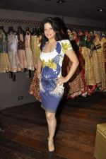 Arzoo Govitrikar at Shyamal Bhumika_s new wedding line launch in Kemp_s Corner on 13th Aug 2015 (112)_55cda7e2cc1dd.JPG