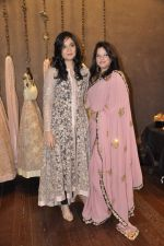 Arzoo Govitrikar at Shyamal Bhumika_s new wedding line launch in Kemp_s Corner on 13th Aug 2015 (160)_55cda7e648b06.JPG