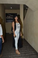 Kiara Advani  snapped in PVR on 13th Aug 2015 (22)_55cda5b2dcb56.JPG
