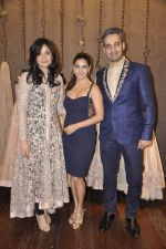 Perizaad Kolah at Shyamal Bhumika_s new wedding line launch in Kemp_s Corner on 13th Aug 2015 (60)_55cda915ade63.JPG