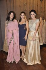 Perizaad Kolah at Shyamal Bhumika_s new wedding line launch in Kemp_s Corner on 13th Aug 2015 (61)_55cda9172fa95.JPG