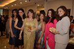 Zarine Khan, Poonam Dhillon at Farah Khan Ali_s new collection launch with Tanishq in Andheri, Mumbai on 13th Aug 2015 (228)_55cdad5955459.JPG