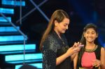 Sonakshi Sinha on the sets of Indian Idol Junior 2015 in Mumbai on 16th Aug 2015