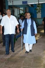 Boney Kapoor at Shraddha Kapoor_s grandfather_s prayer meet in Juhu, Mumbai on 18th Aug 2015 (105)_55d71f7c442fd.JPG