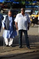 Boney Kapoor at Shraddha Kapoor_s grandfather_s prayer meet in Juhu, Mumbai on 18th Aug 2015 (95)_55d71f759380e.JPG