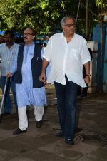 Boney Kapoor at Shraddha Kapoor_s grandfather_s prayer meet in Juhu, Mumbai on 18th Aug 2015 (99)_55d71f7a3d3d1.JPG